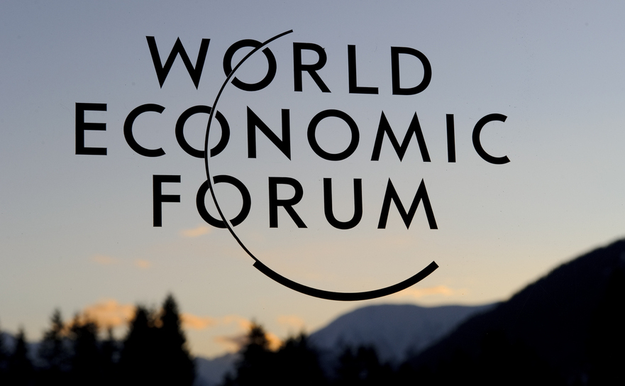 Logo-ul World Economic Forum (WEF) la Davos Congress Center