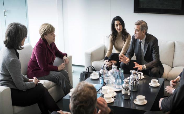 George şi Amal Clooney s-au întâlnit cu cancelarul german Angela Merkel la sediul guvernului german
