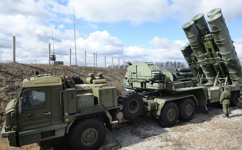 Sistemul rusesc de rachete antiaeriene S-400.