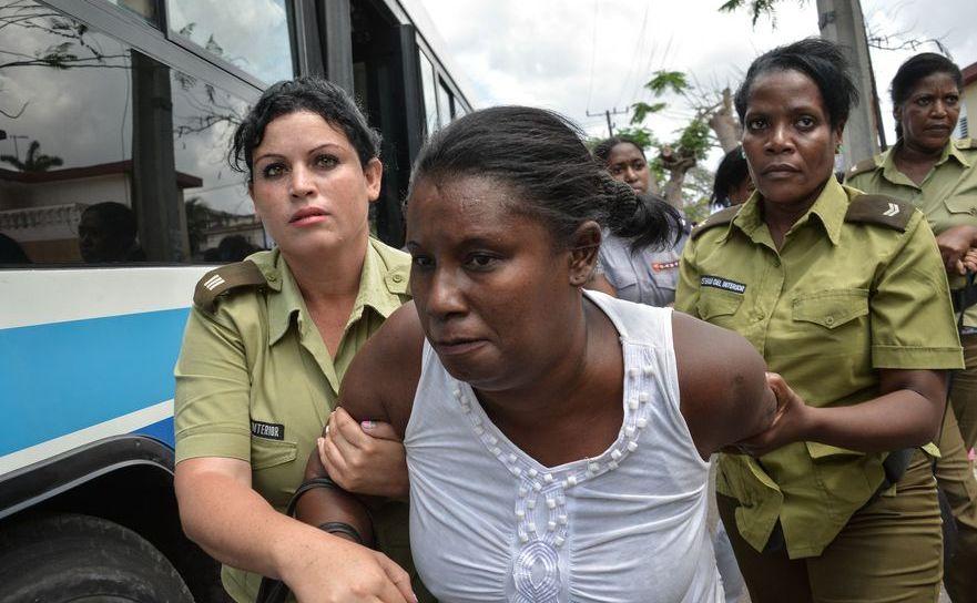 Membrele grupului Doamnele în Alb, mame şi soţii ale dizidenţilor închişi de regimul comunist cubanez, arestate cu prilejul vizitei lui Obama în Cuba