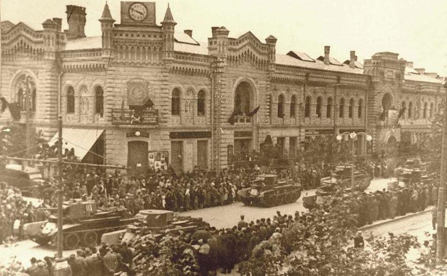 Defilarea tancurilor armatei sovietice în Chişinău pe 4 iulie 1940