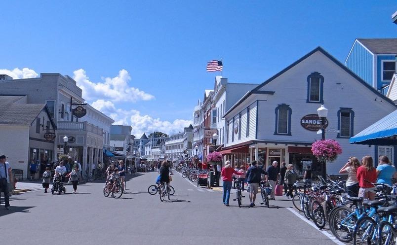 InsulaMackinaw din SUA - locul unde nu circulă maşini