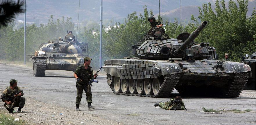Tancurile ruseşti efectuează exerciţii militare în Transnistria.