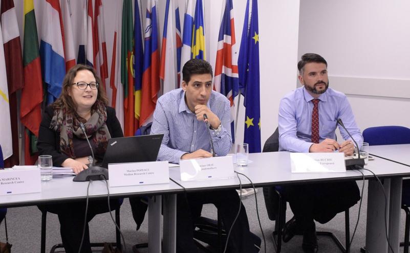 "Raport Media Pluralism Monitor 2015: ""Mass-media din România, tot mai precară"""