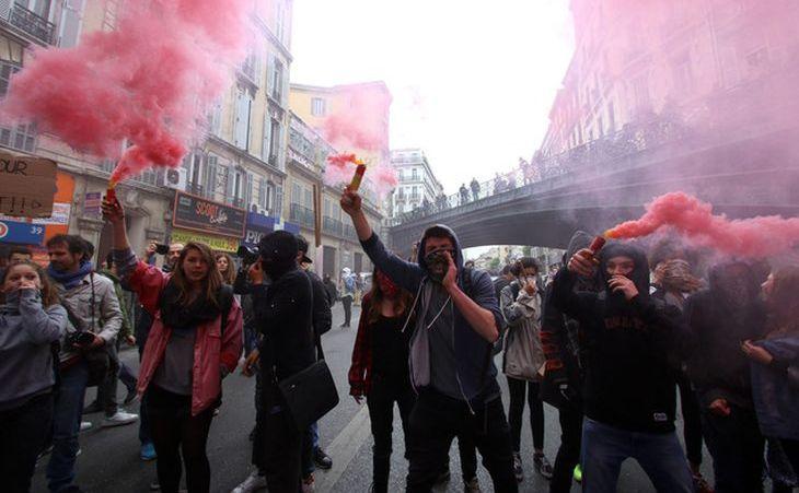 Protest în Marsilia împotriva modificării Codului Muncii, 28 aprilie 2016.