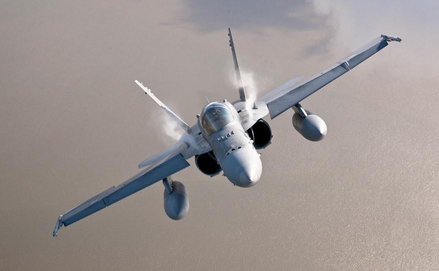 Avion de luptă finlandez McDonnell Douglas F-18 Hornet.