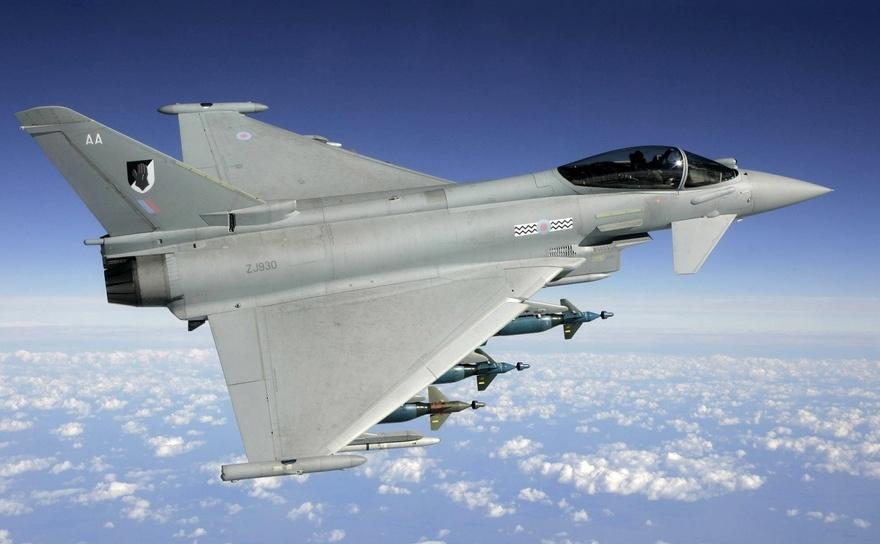 Avion de luptă Typhoon al Forţei Aeriene Regale britanice.