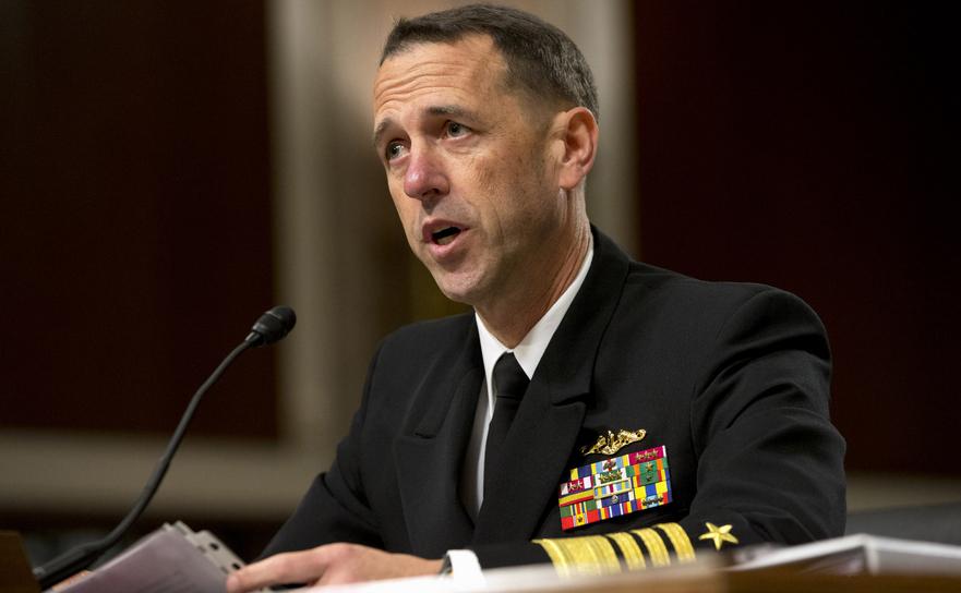 Amiralul John Richardson, şeful Marinei SUA.