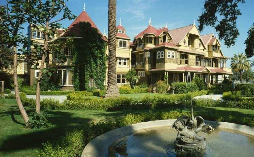 Winchester Mystery House, din San José, California