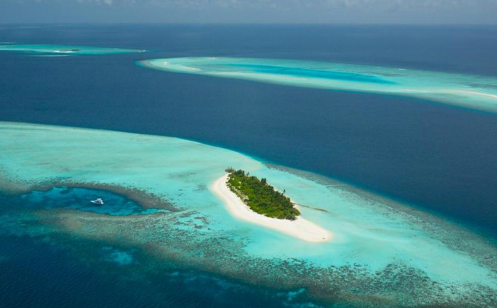 Atolul Four Seasons, Maldive