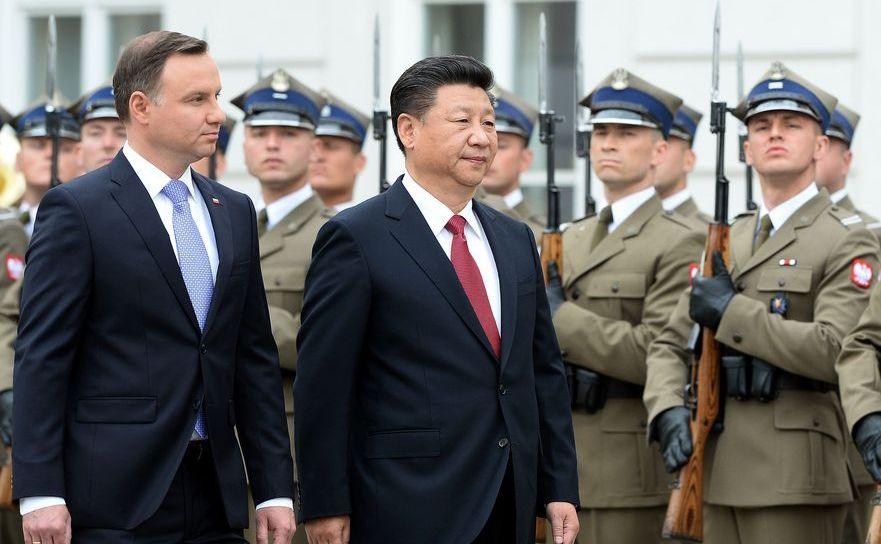 Xi Jinping împreună cu preşedintele Poloniei, Andrzej Duda, 20 iunie 2014 în Varşovia