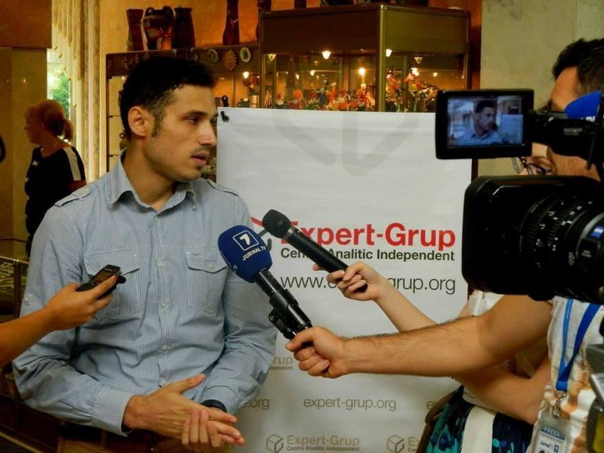"Dionis Cenusa, analist politic ""Expert-Grup"""