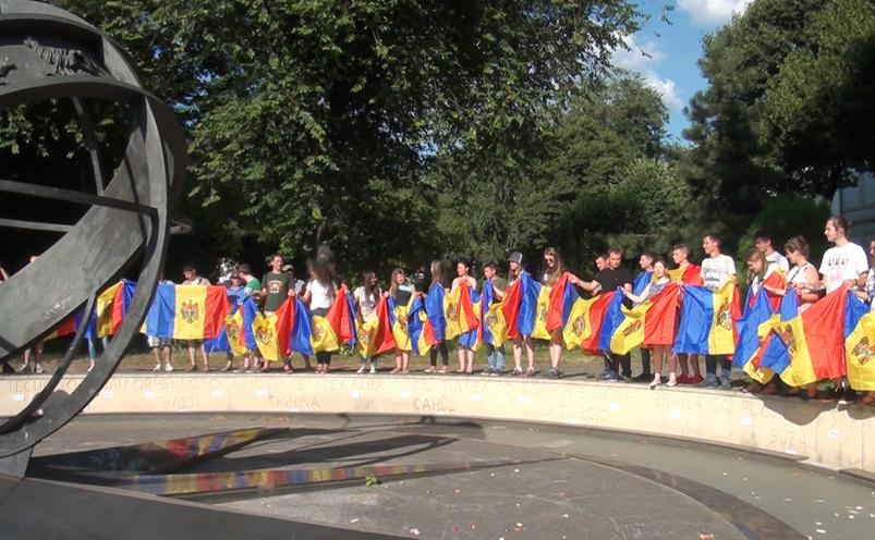 Flashmob unionist la kilometrul zero al Capitalei.