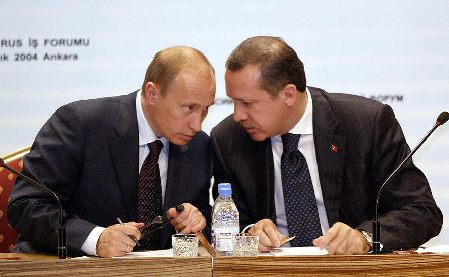 Vladimir Putin împreună cu Recep Tayyip Erdogan la Ankara, arhivă, 2004