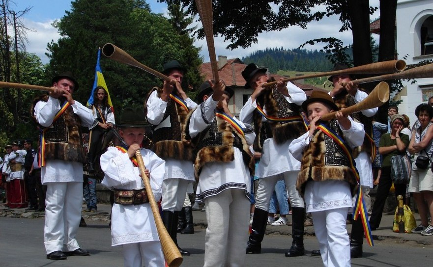 """Festivalul Internaţional de Folclor """"Întâlniri Bucovinene"""", de la Câmpulung Moldovenesc"""