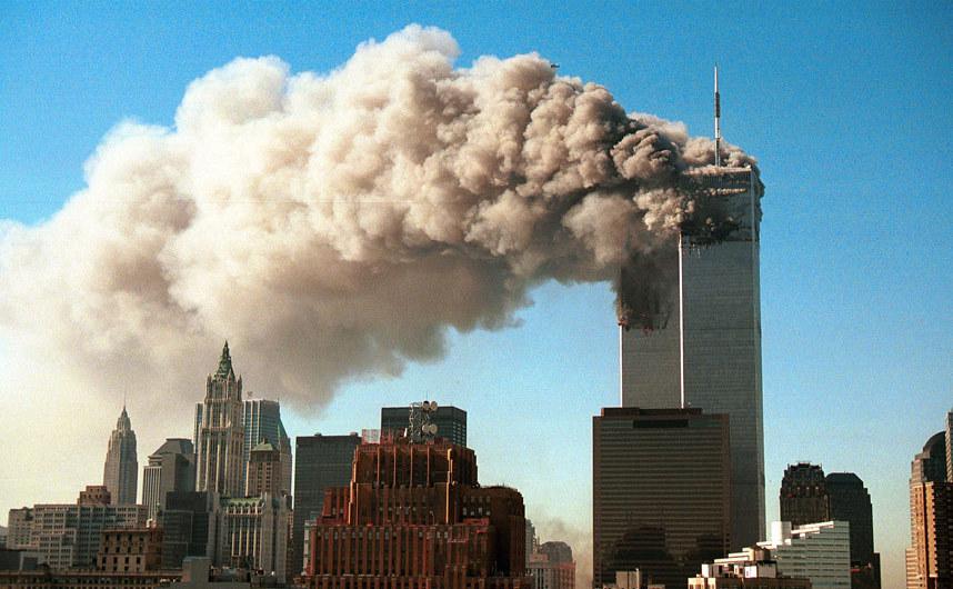 Scena din timpul atacurilor asupra Turnurilor Gemene din New   York, 11 septembrie 2001.