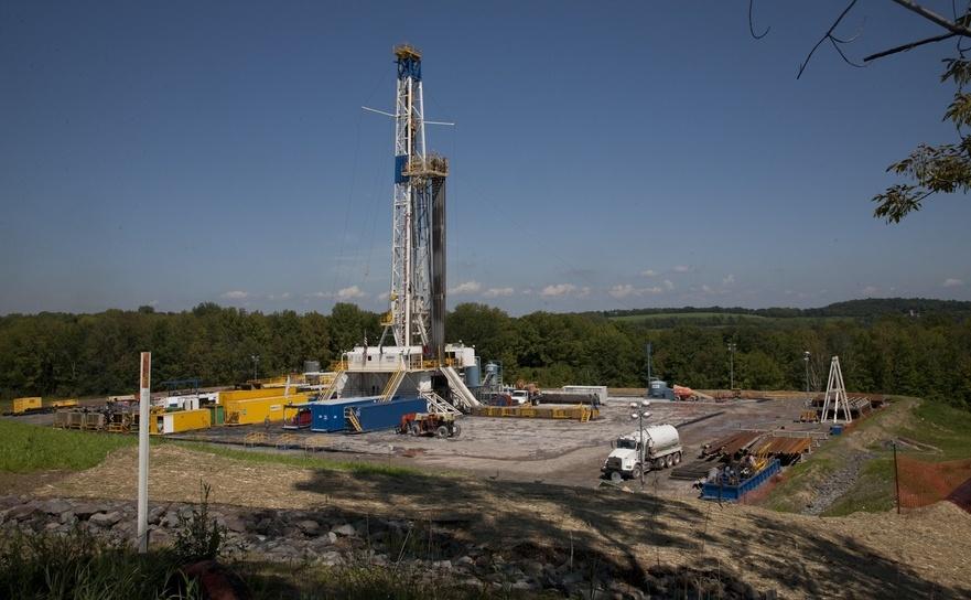 Instalaţie pentru extragerea de gaze prin fracturare hidraulică.