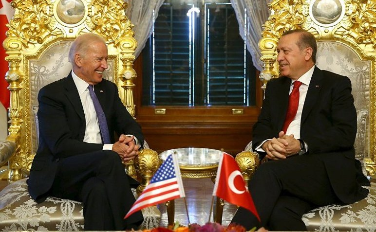 Vicepreşedintele american Joe Biden şi preşedintele turc Recep Erdogan în Istanbul, 23 ianuarie 2016.