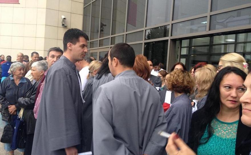 Protest spontan al grefierilor de la Tribunalul Bucureşti