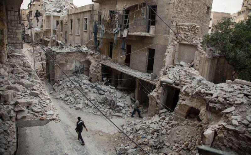 Clădiri distruse în oraşul Alep, 2 mai 2016.