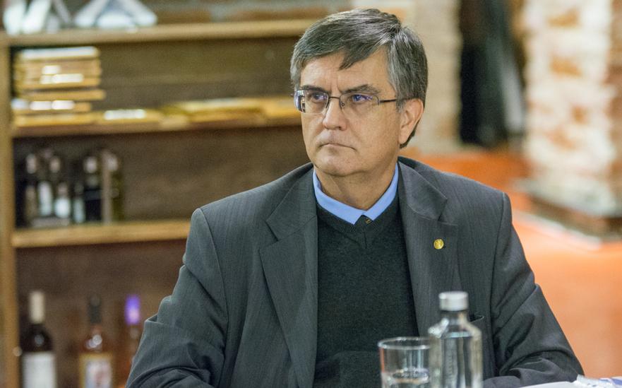 Mircea Dumitru(Ministrul Educatiei)