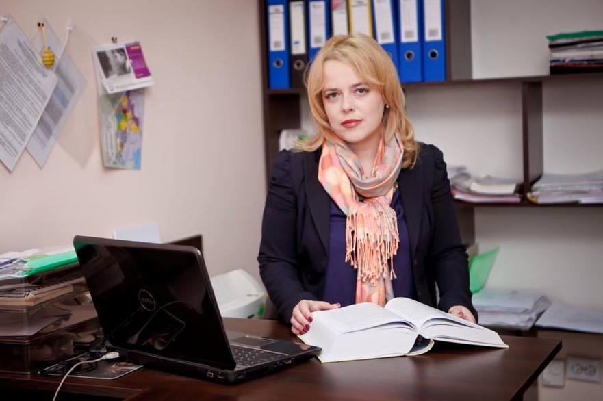 Ana Ursachi, avocat