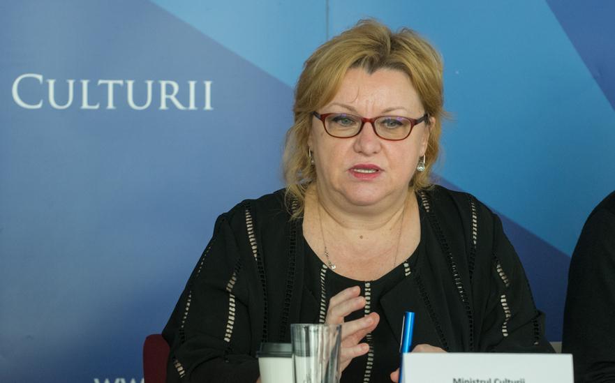Corina Suteu(Ministrul Culturii)
