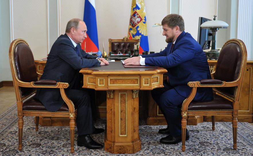 Vladimir Putin împreună cu protejatul său din Cecenia, Ramzan Kadirov