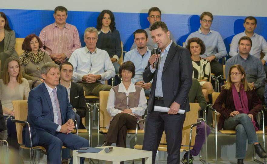 DEzbatere: Dacian Ciolos si Nicusor Dan