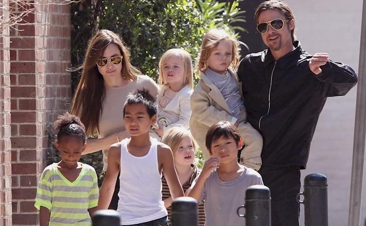 Angelina Jolie, Brad Pitt şi cei 6 copii ai lor