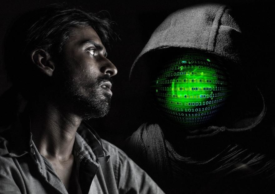 Dispozitivele dvs. ar putea furniza o oportunitate pe care orice hacker ar putea-o folosi pentru a vă spiona.