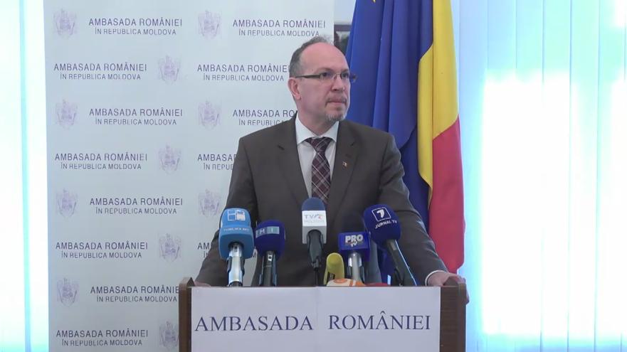 Daniel Ioniţă, Ambasadorul României la Chişinău în timpul conferinţei de presă 28.11.2016 (captură foto)