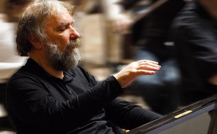 Pianistul Radu Lupu, repetând cu Orchestra Simfonică Radio din Finlanda