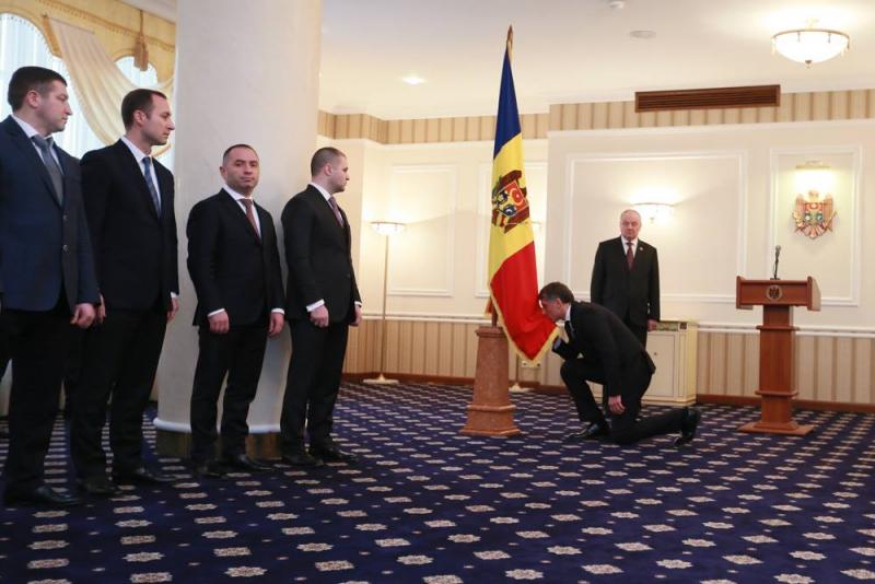 Ceremonia de depunerea a jurământului. Procurorul desemnat, Eduard Harunjen