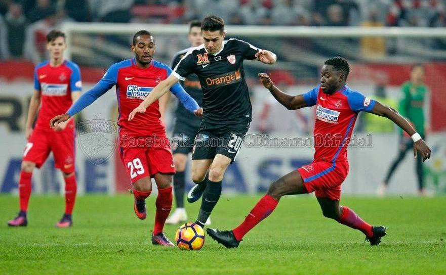 Dinamo Bucureşti - Steaua Bucureşti, 4-1 (1-0) în prima manşă  a  semifinalelor Ligii I.