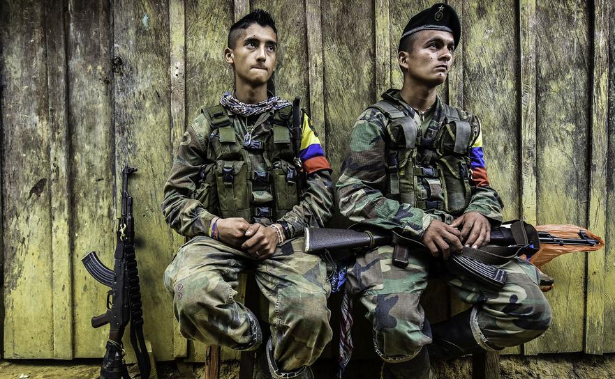 Membri ai grupului de gherilă columbian FARC.