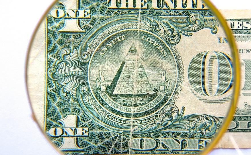 Piramida şi ochiul de pe bancnota americană de un dolar