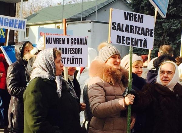 Protestul profesorilor din Moldova (protv.md)