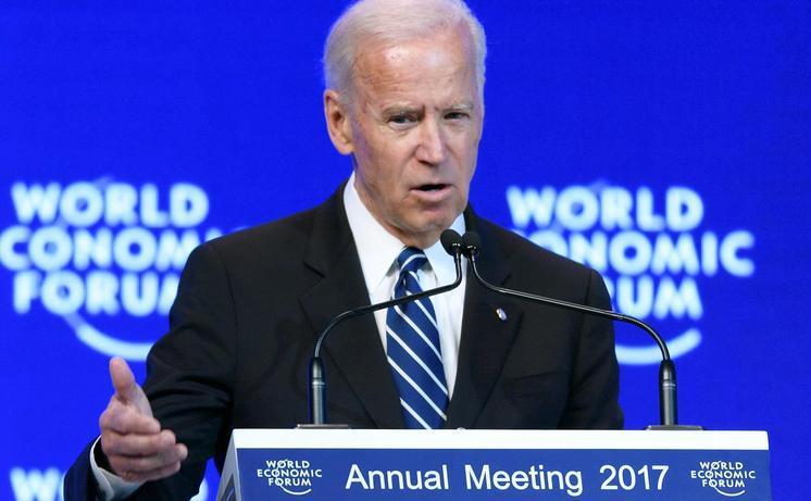 Vicepreşedintele american Joe Biden susţine un discurs la Forumul Economic Mondial din Davos, Elveţia,18 ianuarie 2017.