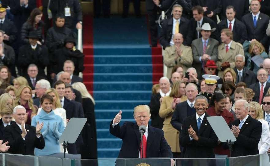 Preşedintele american Donald Trump se adresează naţiunii în timpul ceremoniei de investire la Capitoliul din Washington, DC, 20 ianuarie 2017.
