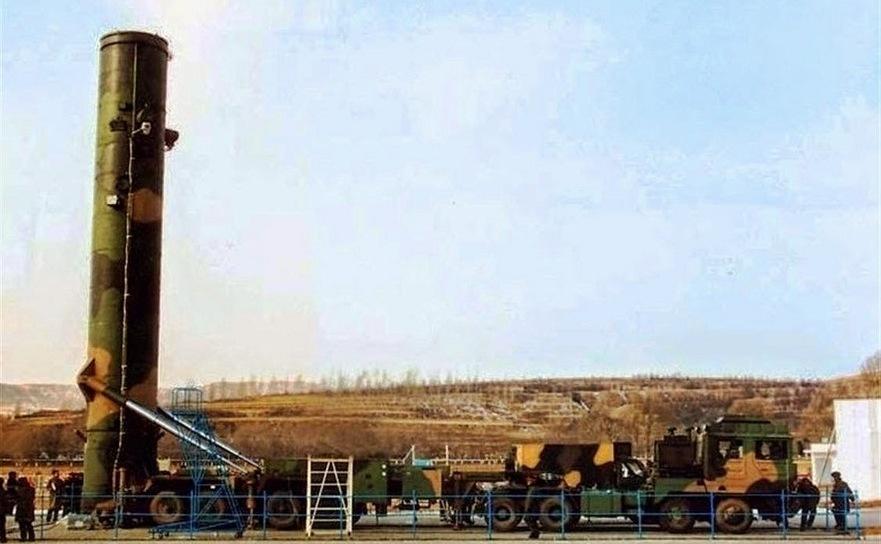 Racheta balistică intercontinentală chineză Dongfeng-41.