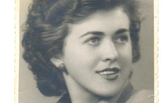 Aurora Dumitrescu, în tinereţe