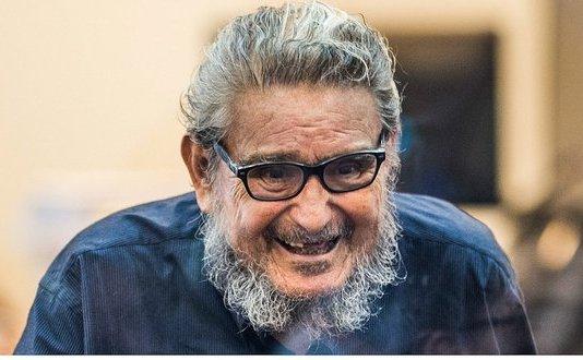 Abimael Guzman, călăul maoist peruvian, care a fondat grupul Cărarea Luminoasă, responsabil pentru măcelurile din Peru în anii '90