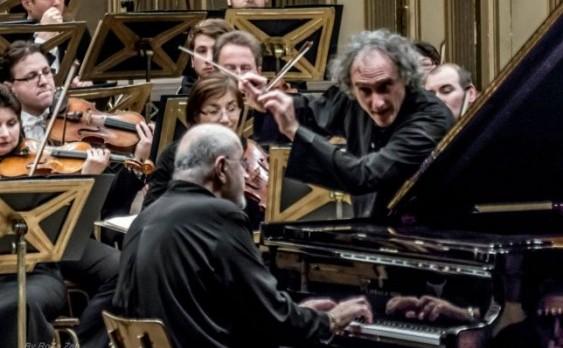 Dan Grigore (pian) şi Misha Katz (pupitru dirijoral) într-un tandem muzicalfantastic.