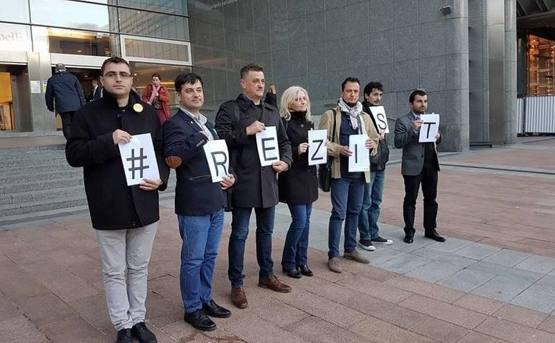 Protestatarii #rezist la Bruxelles