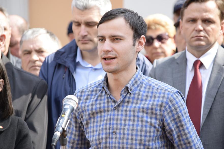 Dinu Plîngău, membru al organizaţiei de tineret al Platformei DA