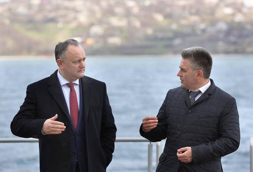 Igor Dodon şi Vadim Krasnoselski.