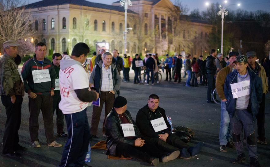 Angajaţi aiCompaniei Naţionale a Uraniului în greva foamei