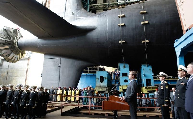 Dmitri Medvedev, la lansarea unui submarin rusesc de ultimă generaţie
