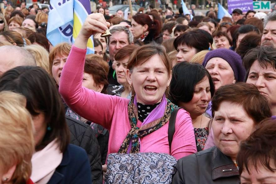 Protestul profesorilor din Moldova susţinuţi de către sindicatele din Educaţie 05.04.2017